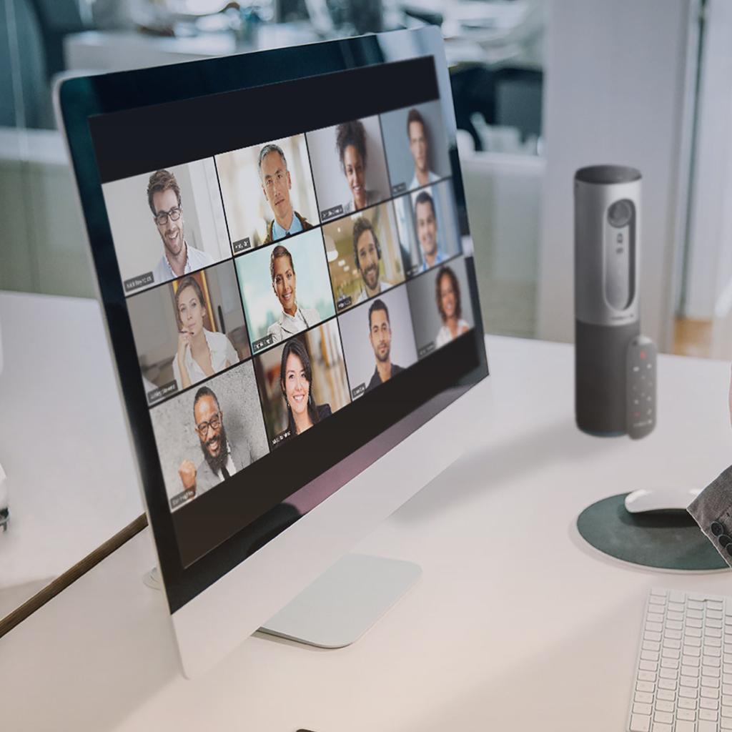 Computador en videoconferencia